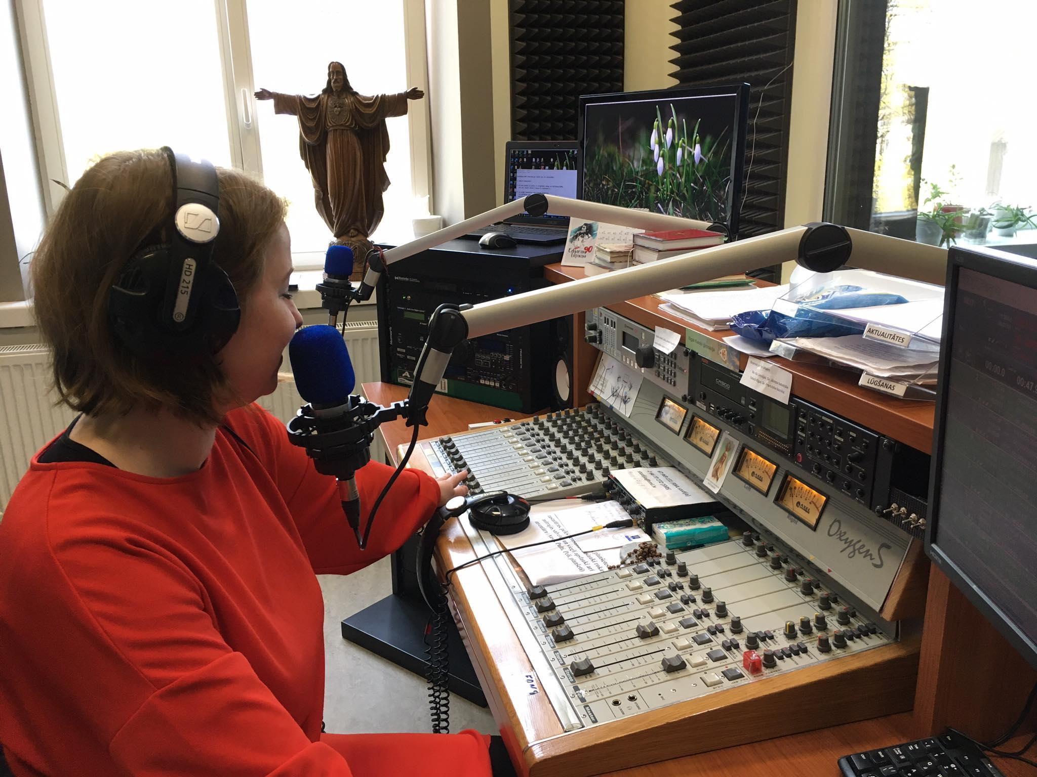 Radio finansiālā situācija aprīlī